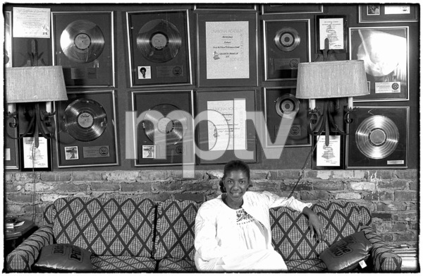 Natalie Cole at home in Los Angeles circa early 1980s© 1980 Michael Jones - Image 11486_0033