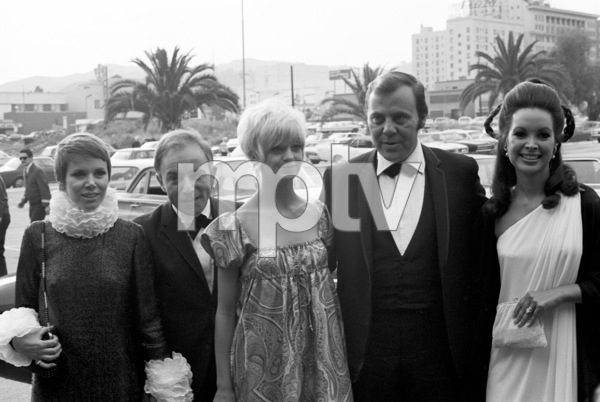 """""""The Emmy Awards""""Judy Carne, Henry Gibson, Goldie Hawn1968 © 1978 Gunther - Image 11530_0001"""