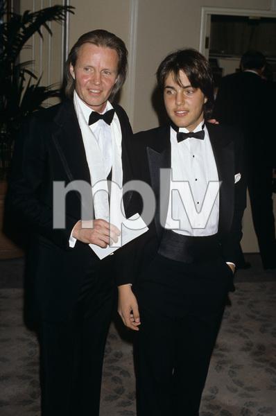Jon Voight and son Jamescirca 1986© 1986 Gary Lewis - Image 11589_0025