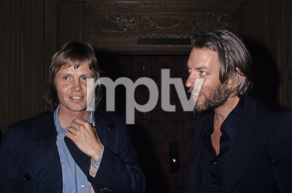 Jon Voight and Donald Sutherland1975© 1978 Gary Lewis - Image 11589_0029