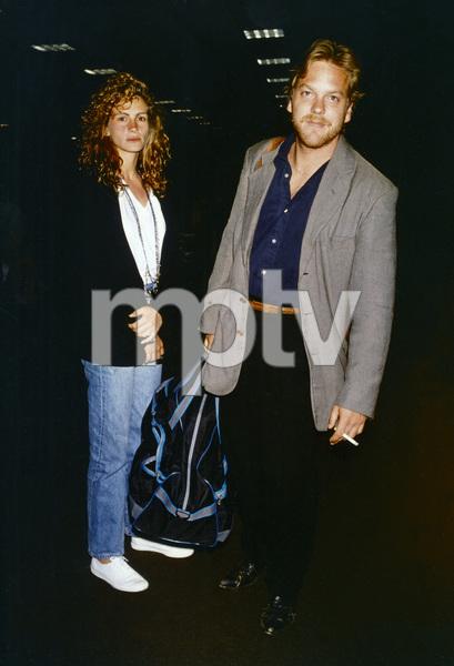 Julia Roberts and Kiefer Sutherlandcirca 1980s© 1980 Gary Lewis - Image 11615_0007