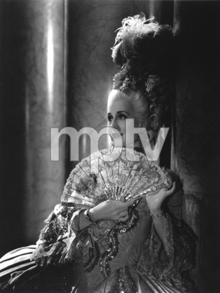 "Norma Shearer from the film ""Marie Antoinette"" 1938 © 1978 Laszlo Willinger - Image 11646_0005"