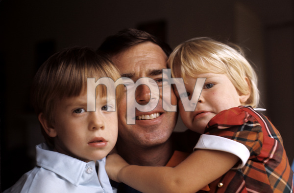 Ken Berry with his kids John Kenneth and Jennifer Kate1968 © 1978 Gene Trindl - Image 11793_0010