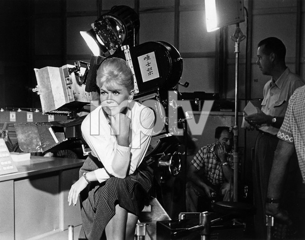 """""""That Touch of Mink""""Doris Day1962 Universal Pictures** I.V. - Image 11806_0004"""