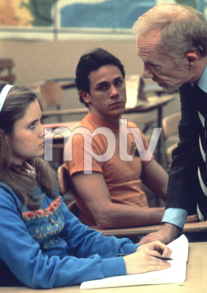 Jennifer Jason Leigh, Ray WalstonFilm SetFast Times At Ridgemont High (1982) © 1982 Ron Grover0083929Universal Pictures - Image 11821_0007