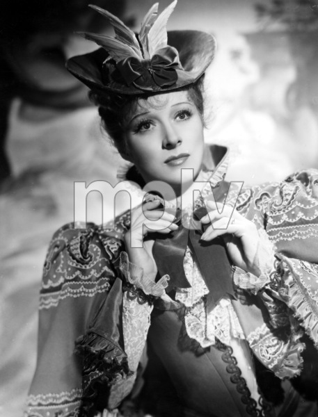 """Goodbye Mr. Chips""Greer Garson1939 MGM**I.V. - Image 12007_0014"