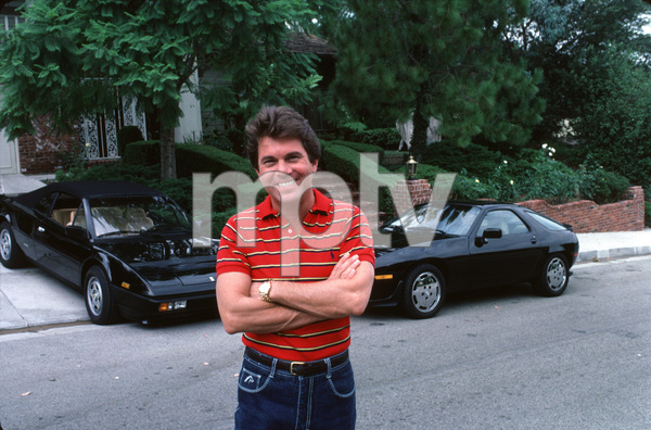 LARRY MANETTIIN LOS ANGELES WITH HIS 928 PORSCHE / 1984 ANDFERRARI MONDAIL /1984 © 1984 GENE TRINDL  - Image 12036_2