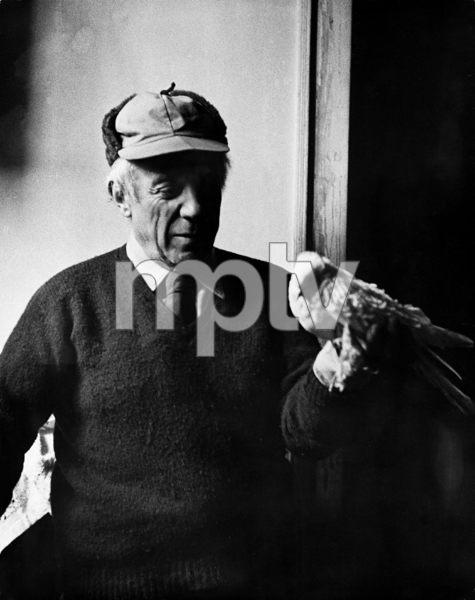 Pablo Picasso at his studio on Rue Des Grands Augustins in Pariscirca 1950s © 1978 Sanford Roth / LACMA - Image 12059_0007