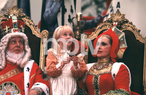 """Alice In Wonderland""Robert Morley, Natalie Gregory, Jayne Meadows1985 CBS © 1985 Gunther - Image 12181_0011"