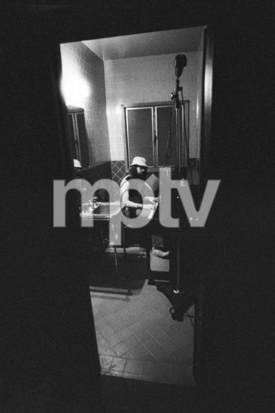 Jimmy Webb (recording studio - piano in bathroom)October 1971© 1978 Ed Thrasher - Image 12506_0008