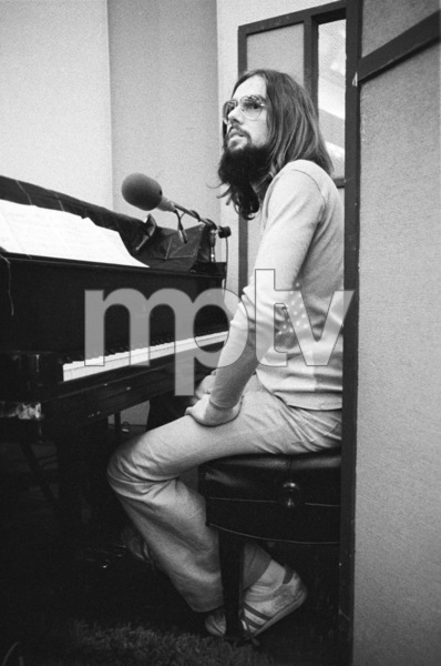 Jimmy Webb at a recording sessioncirca 1970s© 1978 Ed Thrasher - Image 12506_0009