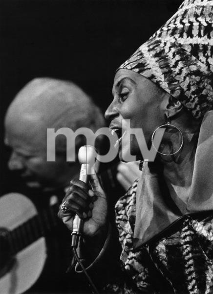Miriam Makeba performing in New York1962 - Image 12586_0012