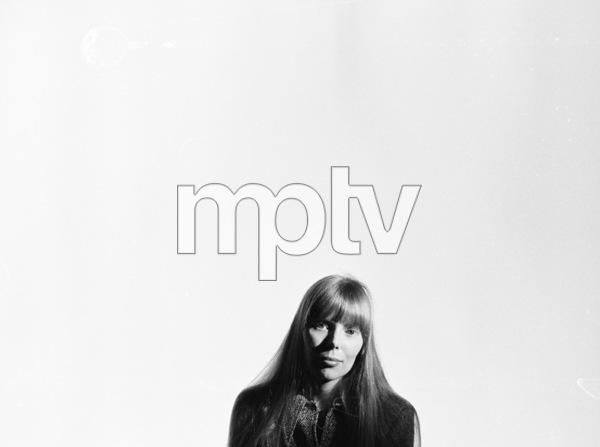 Joni Mitchell, March 1968. © 1978 Ed Thrasher - Image 12614_0007