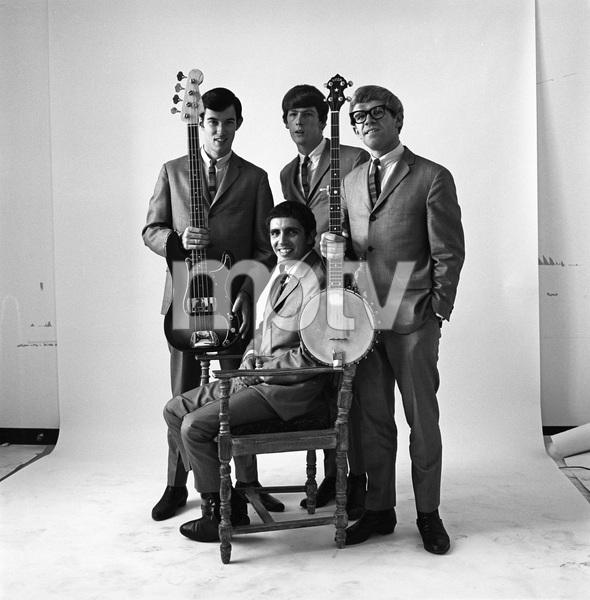 The Modern Folk Quartet (Cyrus Faryar, Henry Diltz, Chip Douglas, Jerry Wester) 1964 © 1978 Ed Thrasher - Image 12630_0100