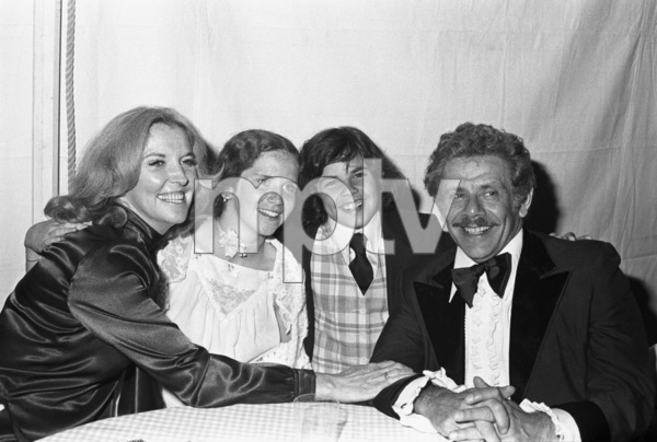Jerry Stiller and wife Anne Meara with their two children, Amy and Bencirca 1970s© 1978 Gary Lewis - Image 13261_0003