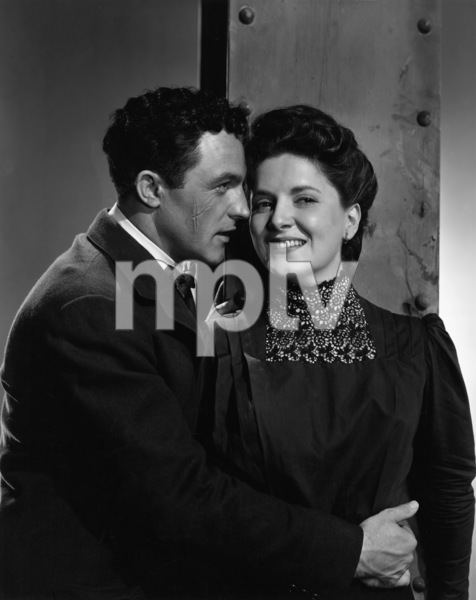 """Black Hand""Gene Kelly, Teresa Celli1949 MGM - Image 13547_0002"