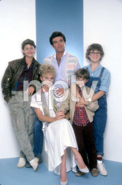 """Growing Pains""Kirk Cameron, Joanna Kerns, Alan Thicke, Jeremy Miller, Tracey Gold1985 © 1985 Mario Casilli - Image 14114_0012"