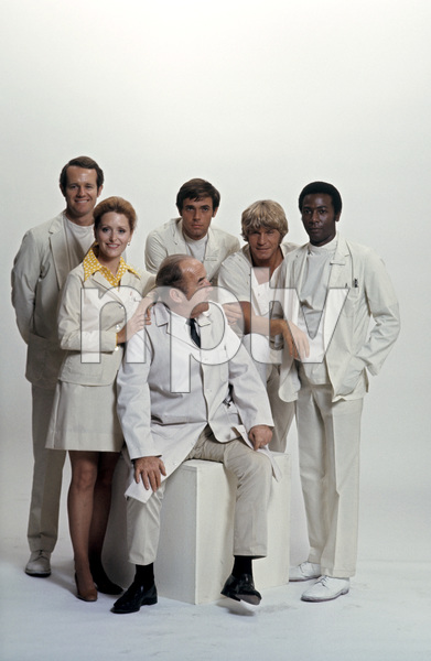 """The Interns""Mike Farrell, Broderick Crawford1970 © 1978 Gene Trindl - Image 14272_0001"