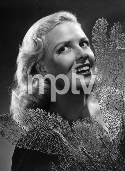 """Janis Carter in """"A Thousand and One Nights"""" 1945 © 1978 Ned Scott Archive - Image 14671_0004"""