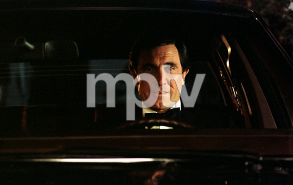 14836-1 GEORGE LAZENBY1982 DURING A LINCOLN CAR COMMERCIAL © 1982 RON AVERY / MPTV - Image 14836_1