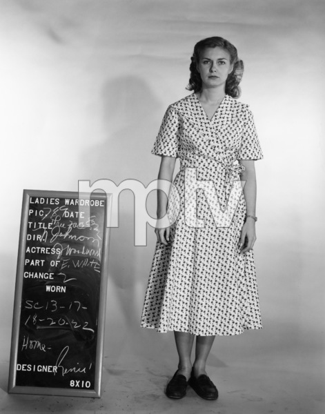 """The Three Faces of Eve""Joanne Woodward1957** I.V. - Image 16068_0008"