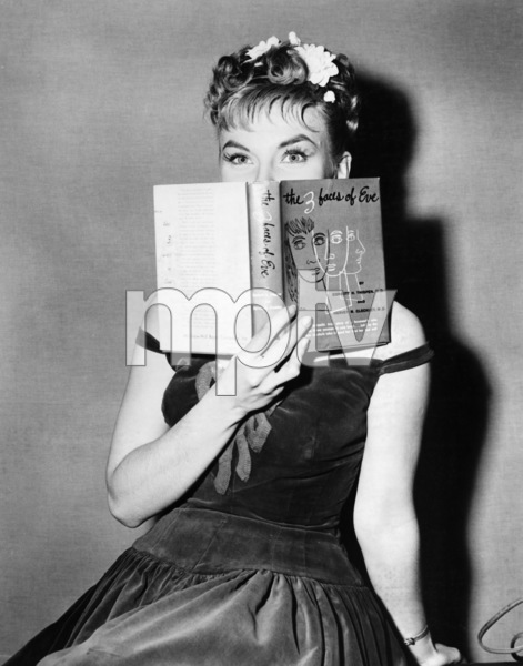 """The Three Faces of Eve""Joanne Woodward1957** I.V. - Image 16068_0012"