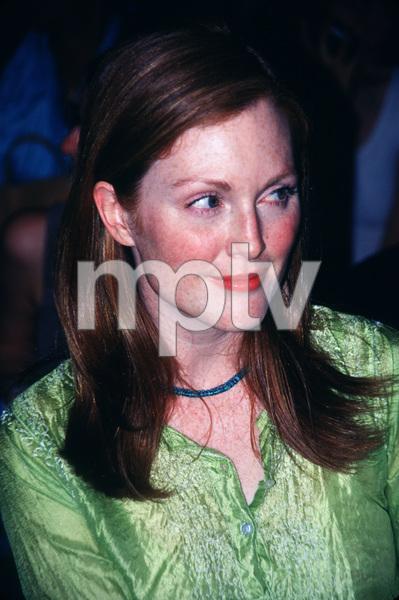 Julianne Moore © 1999 Ariel Ramerez - Image 16109_0001