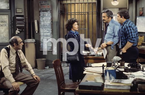 """Barney Miller""Abe Vigoda, Linda Lavin, Hal Linden, Max Gail1975** H.L. - Image 16530_0045"