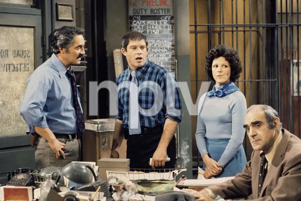 """Barney Miller""Hal Linden, Max Gail, Linda Lavin, Abe Vigoda1975** H.L. - Image 16530_0047"