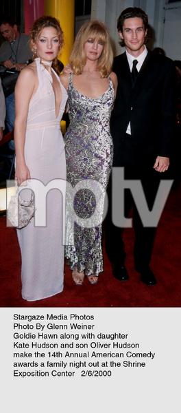 """Comedy Awards: 14th Annual,""Goldie Hawn, Kate Hudson, & Oliver Hudsonat the Shrine Exposition Center.  2/06/00. © 2000 Glenn Weiner - Image 16678_0100"