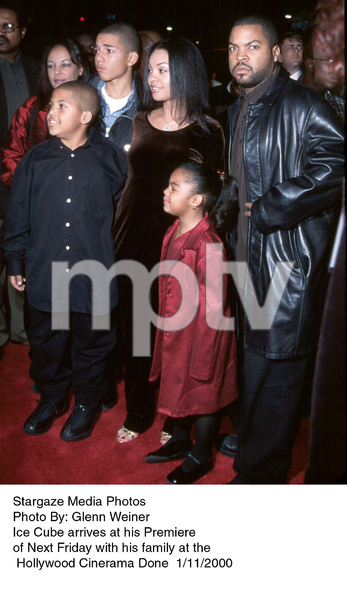 """""""Next Friday"""" Premiere,Ice Cube and family.1/11/00. © 2000 Glenn Weiner - Image 16691_0103"""