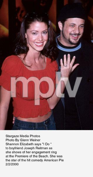 """""""Beach, The"""" Premiere,Shannon Elizabeth and boyfriendJoseph Reitman.  2/2/00. © 2000 Glenn Weiner - Image 16694_0103"""
