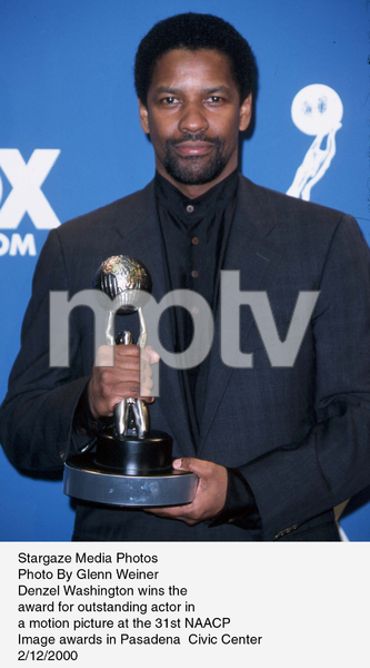 """NAACP Image Awards - 31st,""Denzel Washington.  2/12/00. © 2000 Glenn Weiner - Image 16983_0105"