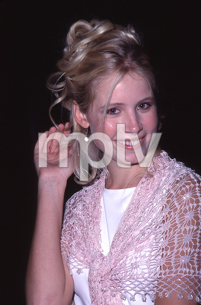 """Castle Rock"" Premiere,Alana Austin.  8/11/00. © 2000 Scott Weiner - Image 17151_0008"