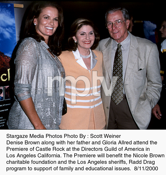 """""""Castle Rock"""" Premiere, 8/11/00.Denise Brown with her father and Gloria Allred. © 2000 Scott Weiner - Image 17151_0102"""