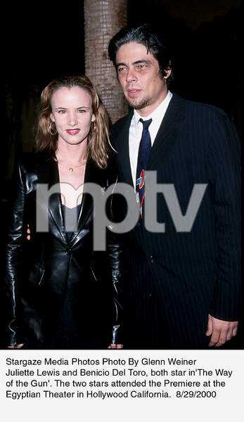 """Way Of The Gun, The"" Premiere.8/29/00.  Juliette Lewis and Benicio Del Toro. © 2000 Glenn Weiner - Image 17182_0104"