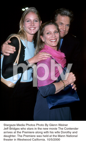 """Contender, The"" Premiere.Jeff Bridges with wife Dorothy anddaughter.  10/5/00. © 2000 Glenn Weiner - Image 17245_0101"