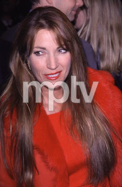 """""""Bedazzled"""" Premiere.Jane Seymour.  10/17/00. © 2000 Scott Weiner - Image 17264_0001"""