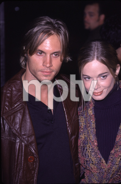 """""""Bedazzled Premiere,""""Jennifer Gareis with boyfriend Dax Griffin.10/17/00. © 2000 Glenn Weiner - Image 17264_0014"""