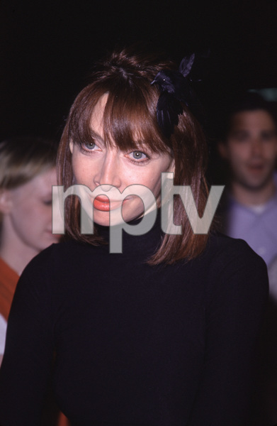 "Illeana Douglas""Blair Witch 2: Book Of Shadows"" Premiere, 10/23/00. © 2000 Glenn Weiner - Image 17270_0012"