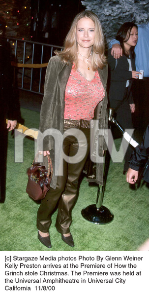 "Kelly Preston""How The Grinch Stole Christmas"" Premiere, 11/8/00. © 2000 Glenn Weiner - Image 17300_0103"