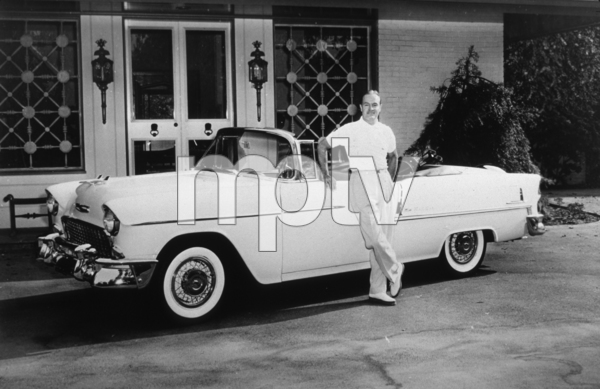 Bob Hope with his 1955 Chevrolet convertible*M.W.* - Image 173_470