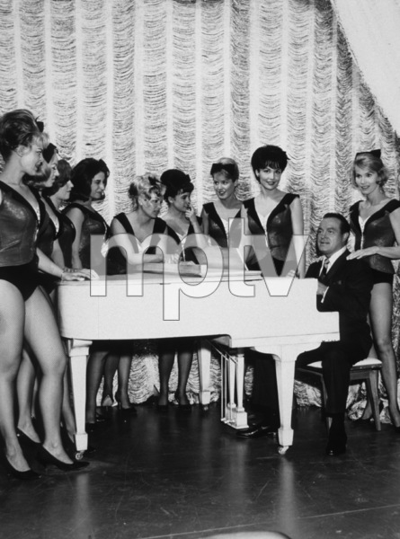 Bob Hope with Francine York and Eva Marie SaintC. 1952Photo By Gerald SmithMPTV - Image 173_502