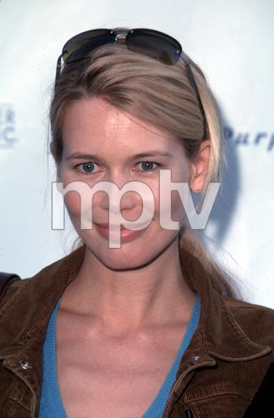 Claudia SchifferDesigner Garage Sale Super Saturday L.A., 11/18/00. © 2000 Glenn Weiner - Image 17320_0020