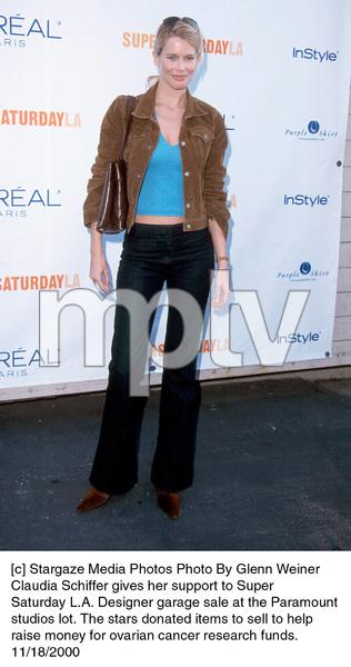 Claudia SchifferDesigner Garage Sale, 11/18/00. © 2000 Glenn Weiner - Image 17320_0108