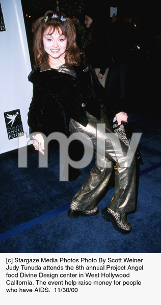 "Judy Tunuda""Divine Design Gala - 8th Annual,"" 11/30/00. © 2000 Scott Weiner - Image 17334_0104"