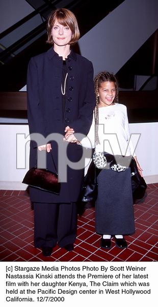 "Nastassja Kinski, daughter Kenya""Claim, The"" Premiere, 12/7/00. © 2000 Scott Weiner - Image 17347_0102"