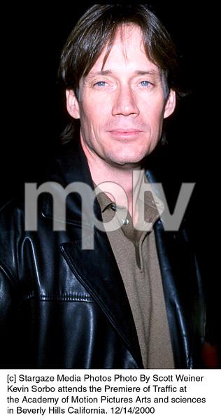 """Kevin Sorbo""""Traffic"""" Premiere, 12/14/00. © 2000 Scott Weiner - Image 17362_0106"""