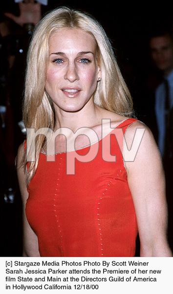 "Sarah Jessica Parker""State And Main"" Premiere, 12/18/00. © 2000 Scott Weiner - Image 17394_0101"