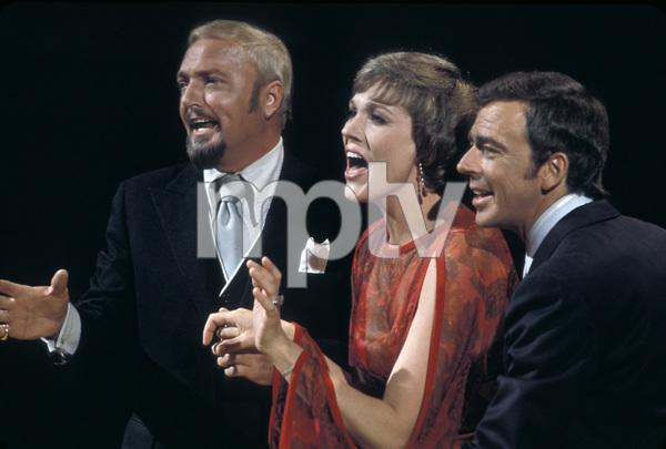 """""""The Julie Andrews Hour""""Jack Cassidy, Julie Andrews, Ken Berry1972** H.L. - Image 17461_0012"""